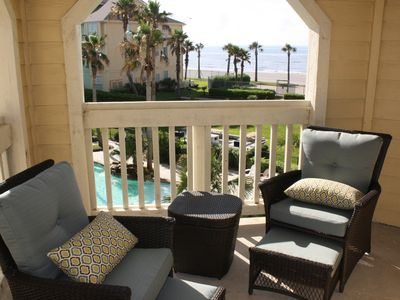 Beach/pool front luxury condo - Spring on the beach. Competitive rates.