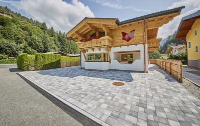 Photo for Holiday house / chalet with sauna, hot pot and home cinema - whole house