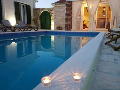 Photo for Charming villa with private pool and nice covered terrace, 3 rooms and bathrooms