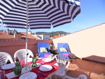 Photo for Apartment with terrace and solarium 300 meters from the sea