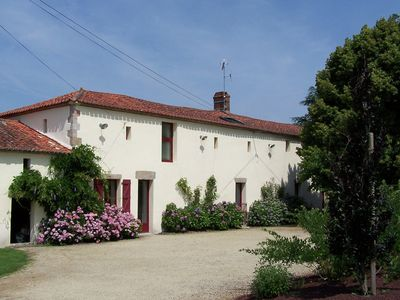 Photo for Charming cottage with pool, garden and terrace in the garden of the Vendée