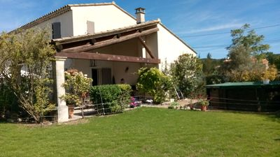 Photo for Very quiet building with pool opposite the Luberon