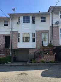 Staten Island, New York vacation rentals: Houses & more