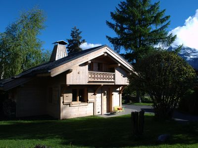 Photo for Individual chalet of exception 40m2, central, wifi + private PKG, garage with bicycle