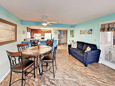 Photo for Bright & Cheery Condo w/ Pools, Hot Tub, Tennis - Walk to Beach & Eateries!