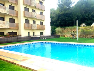 Photo for Holiday apartment with pool and near the beach IDEAL COUPLES!