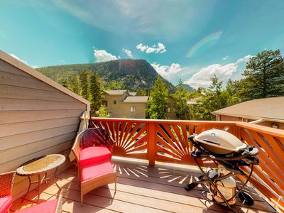 Photo for Lovely townhome w/mountain views from the private balcony!