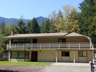 Photo for PACKWOOD SPECIAL! No cleaning fee and price includes up to 10 people.