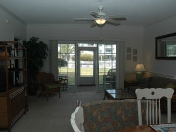 Best Value, 1st Floor,2 Bd/2 Br, Free Wifi, Beach, Golf, Calripkin