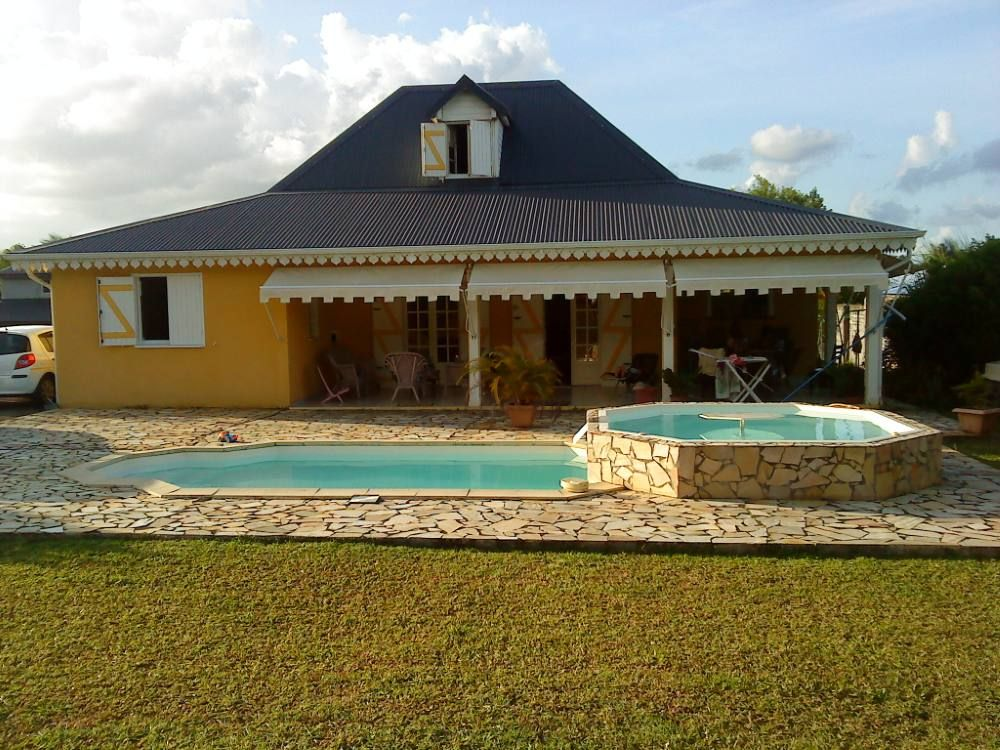 Beautiful villa with pool and jacuzzi 6703406 for Au jardin tropical guadeloupe