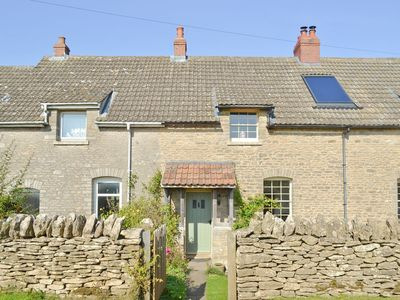 Photo for 2 bedroom property in Stroud. Pet friendly.