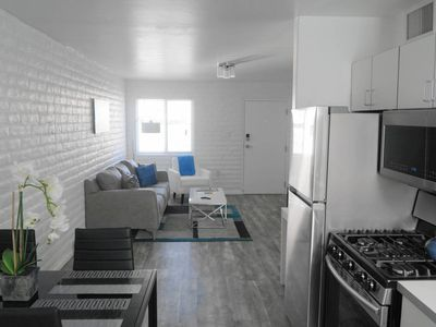 |Lux| 2BR Centrally Located Smart Home by Navore