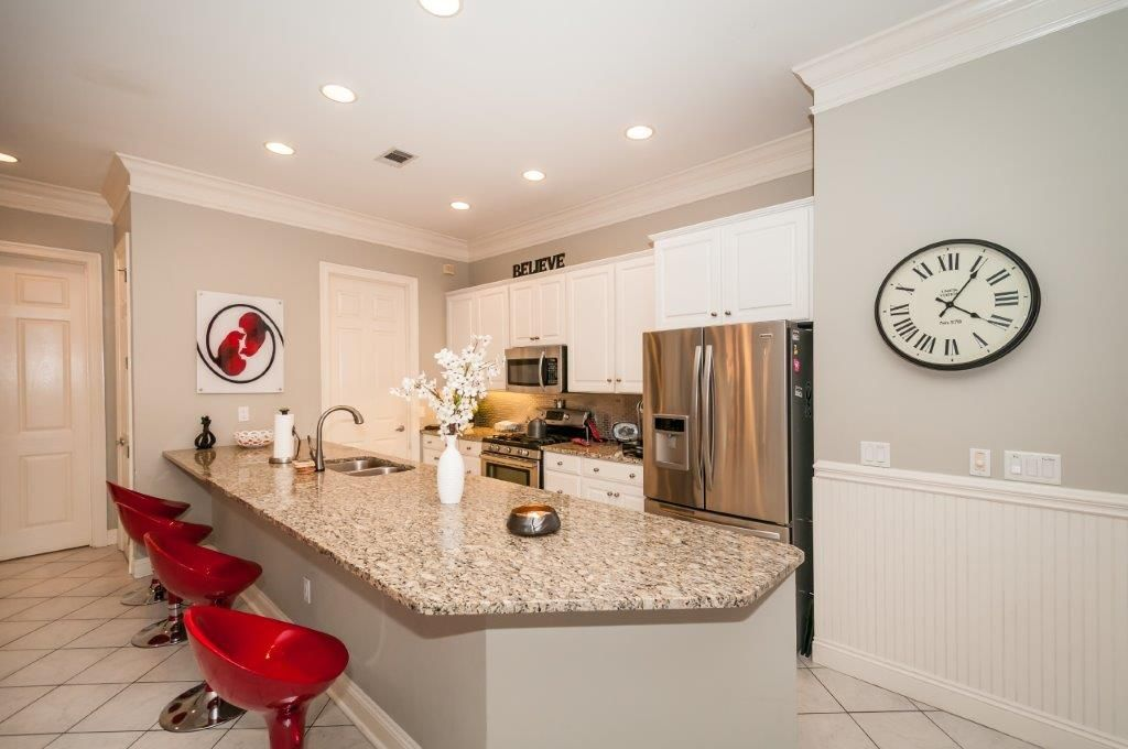 Stunning Destiny West House; Steps From The Beach.  Pet-Friendly!
