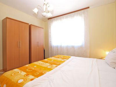 Photo for Apartment for 4 persons + extra bed and 2 bedrooms (ID 13245)