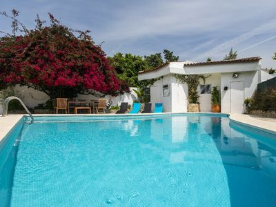 Photo for Typical Portuguese Villa for 8 people with Pool, 10 minutes away from the beach