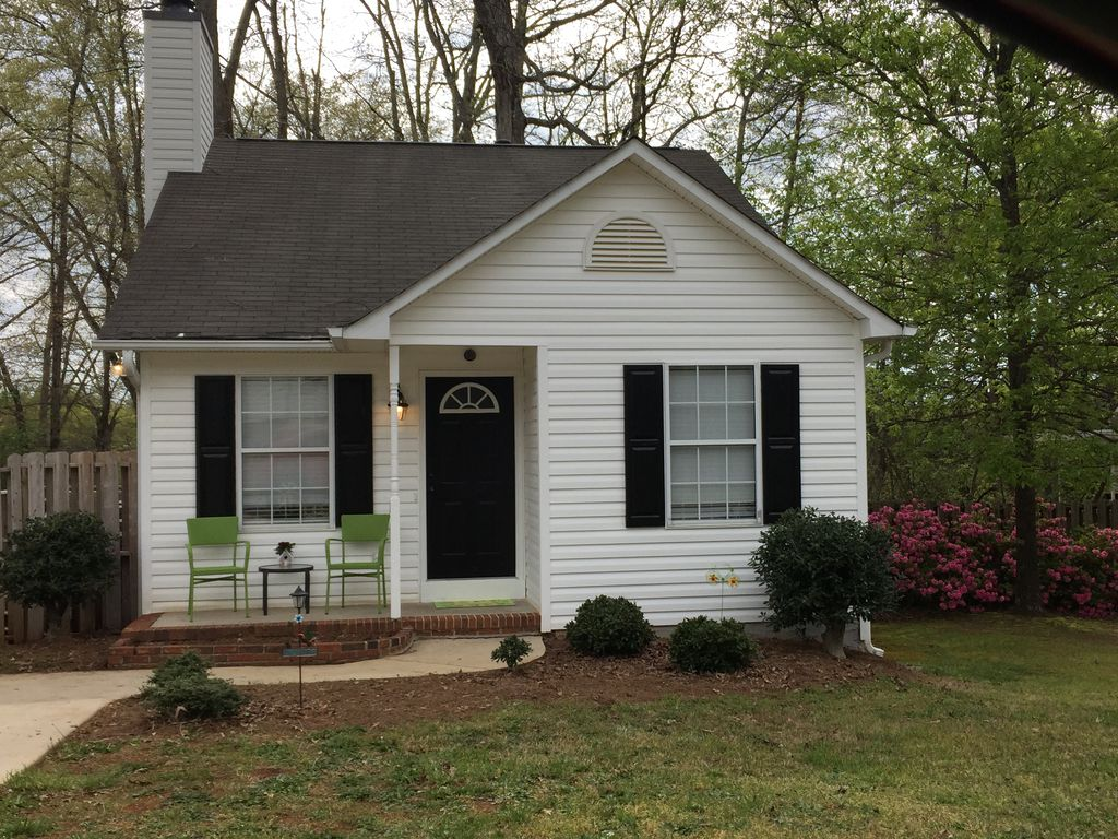 Business Rental Property In Travelers Rest Sc