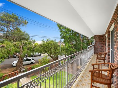 Photo for SURF MIST - IN THE HEART OF TERRIGAL, FLAT WALK TO THE BEACH