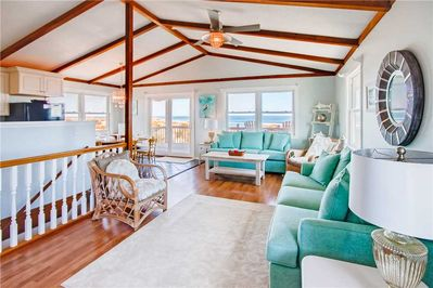Surf-or-Sound-Realty-Cake-By-The-Ocean-754-Great-Room