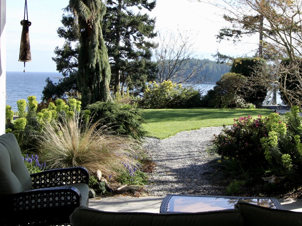 Your Peaceful Retreat On The Ocean, British Columbia Hotels, Resorts ...