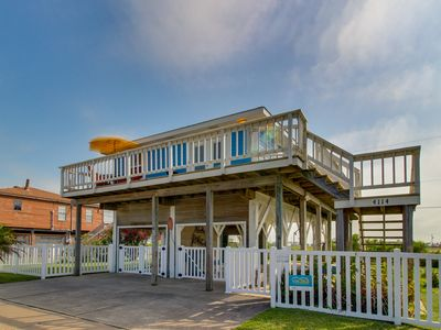 Photo for Classic, dog-friendly, beachside getaway w/ Gulf views in an ideal location