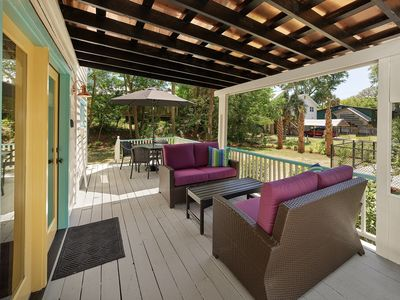 outdoor deck seating and dining