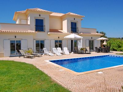 Photo for Luxury 4 Bed Villa With Pool.10 Min Beach With Seaviews