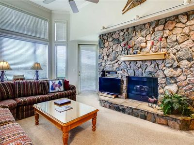 Photo for 3 Bedroom Plus Den Townhome w/Private Deck, Pool Access & More! Great Summer Getaway