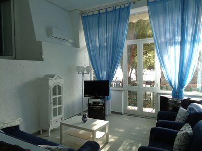 Photo for Apartment in a villa 20 m from the sea in Portovenere boats for the 5 lands