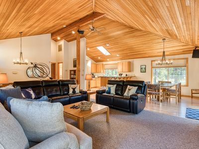 Photo for Sunriver home w/ large deck, private hot tub, gas grill, bikes & SHARC passes!