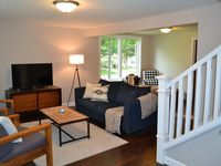 Beautiful and clean house. Very relaxing and homey. Area is quiet. Home owners great hospitality.