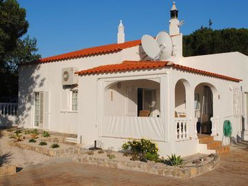 Villa With Large Private Heated Pool,10m X5m And Cover With Coastal,Rural Views
