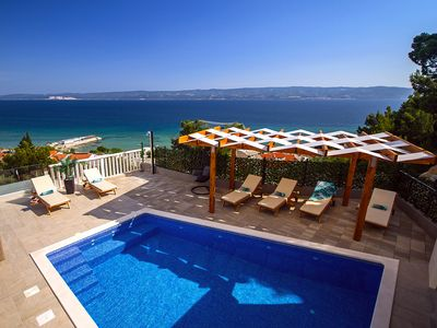 Photo for Villa Bakota - only 200m from the sandy beaches, private 28m2 pool