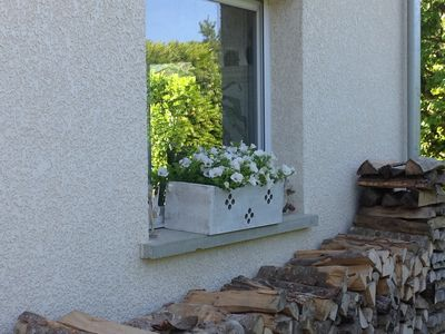 Photo for Cottage above Annecy le Vieux for 4 to 5 people between lake and mountains.