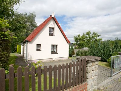 Photo for Cozy cottage on the outskirts of Rostock and with proximity to Warnemünde