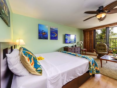 Photo for Kaleialoha 402 A Studio by the Sea, Walk to Beaches, Shops!