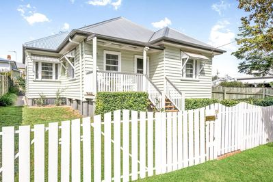 Cute cottage fully renovated inside and out