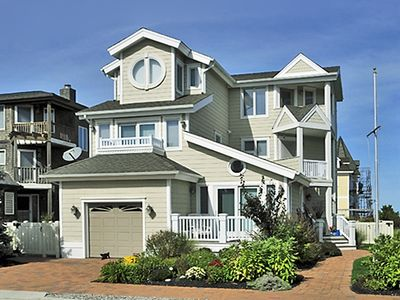 Photo for Spacious, bright and cheery upside down three story home has 4 bedroom 3.5 bath