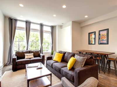 Photo for Modern Luxury Townhome Walk To Bars, Restaurants & Live Music