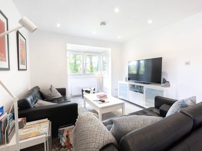 Photo for Bright, Modern & Stylish 3 bed duplex with parking