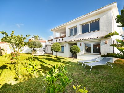 Photo for Amazing holiday home directly at the beach in Costabella, Marbella
