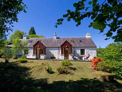 Photo for Secluded cottage 150m from Loch Fyne, Argyll, pet friendly, Wi-Fi