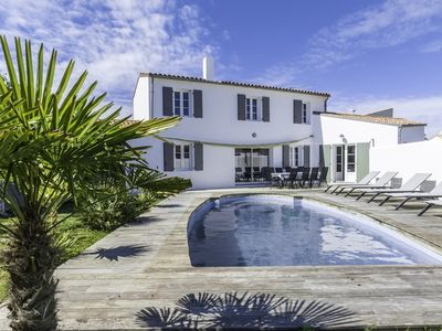 Photo for Villa with swimming pool, for 8 people, in the center village of Le Bois-Plage-en-Ré