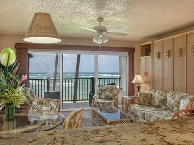 Photo for Oceanfront, Stunning View, Remodeled, 1 BR, A/C, Pono Kai C305