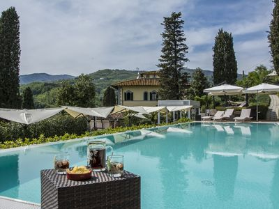 Photo for Farmhouse surrounded by greenery with swimming pool, whirlpool a few km from the center