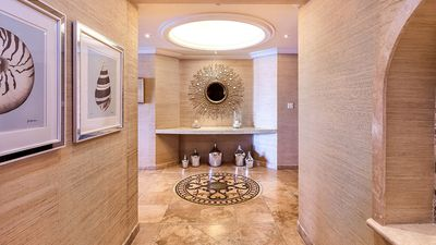 Photo for The Pearl - A Luxurious And Stylish Beachfront Condo On The Exclusive West Coast