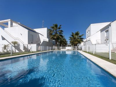 Photo for ESCALA - Apartment with shared pool in Oliva.