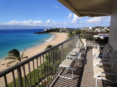 Breathtaking views of Kaanapali, black rock, neighboring islands and the beach!