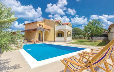 Photo for 4BR House Vacation Rental in Miljevci