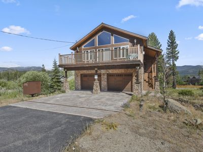 SPACIOUS house w/ Board Games, Close to Heavenly & Mountain Views