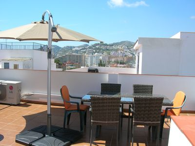 Photo for Spacious 4 bedroom townhouse (Old Town), near central tapas bars and beaches